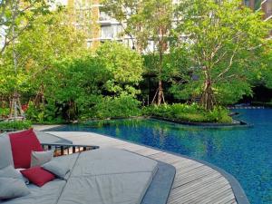 Sale DownCondoOnnut, Udomsuk : Condo for sale, beautiful room, green atmosphere, joyful, luxurious location in the heart of Bangkok