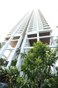 For RentCondoRama9, RCA, Petchaburi : Circle Condominium Size 97.19 Sq.m. 2 bedroom ** Fully furnished ,Ready to move in **