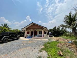 For SaleHouseSuphan Buri : House for sale near Nong Sarai sanitation, Suphanburi province.