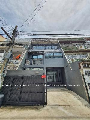 "For RentHouseSukhumvit, Asoke, Thonglor : ""The House of Grey""House for rent in Ekkamai Area 3 storey house 3 bedrooms with 3 bathrooms 1 working room"