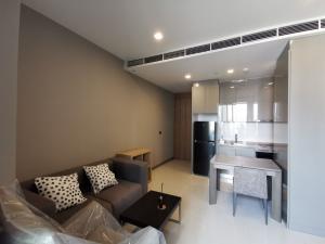 For RentCondoSilom, Saladaeng, Bangrak : For Rent M Silom Condominium 1 Bedroom 1 Bathroom Size 46 Sq.m. On 10th Floor Fully Furnish Ready to move in Rental Price 35,000 Baht per month Closed to BTS Chong Nonsi