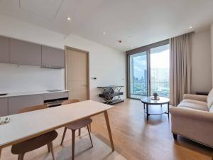 ขายคอนโดวงเวียนใหญ่ เจริญนคร : Magnolias Waterfront Residence 1bed 60.58sqm 16,900,000 Am: 0656199198