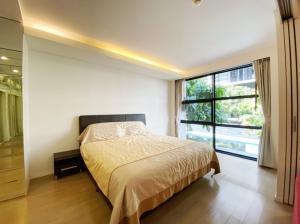 เช่าคอนโดสุขุมวิท อโศก ทองหล่อ : SPECIAL OFFER!! For SALE&RENT at 30,000 bht ( from 50,000 bht.) Low-rise condominium of extraordinary quality on Sukhumvit 61, Room Pool view with Fully furnished, Ready to move in.