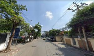 ขายที่ดินอารีย์ อนุสาวรีย์ : ขายที่ดิน ถนนอารีย์สัมพันธ์ ขนาด 190 ตารางวา เหมาะสำหรับทำที่อยู่อาศัย หรือโรงแรมขนาดเล็ก