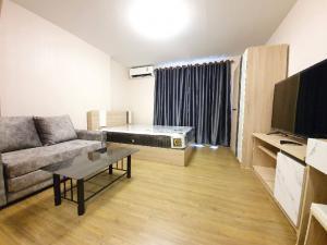 For RentCondoRangsit, Patumtani : For rent, Plum Condo Phaholyothin 89, the entrance to the city of Ek, near Rangsit University, new room, fresh new hand.
