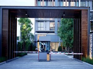 เช่าทาวน์เฮ้าส์/ทาวน์โฮมนวมินทร์ รามอินทรา : ให้เช่าทาวน์โฮมออฟฟิศ 4 ชั้นเนื้อที่ 30 ตร.ว พื้นที่ใช้สอย 400 ตร.ม 4 ห้องนอน 4 ห้องน้ำ ถนนรามอินทรา ก.ม 1 ใกล้ห้างเซ็นทรัล ราคาเช่า 60,000 บ/ด