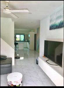 เช่าคอนโดพระราม 3 สาธุประดิษฐ์ : คอนโดให้เช่า Lumpini Park Riverside Rama 3  ประเภท 3 ห้องนอน 2 ห้องน้ำ  ขนาด 104 ตร.ม. ชั้น 16