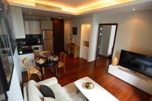 For RentCondoSukhumvit, Asoke, Thonglor : For rent QUATTRO fully furnished Tower B PN0490.