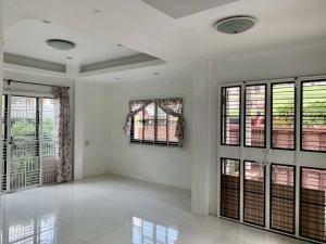 For SaleHouseOnnut, Udomsuk : (เจ้าของขายเอง)ขายบ้านเดี่ยวสุขุมวิท 101/1 ใกล้รถไฟฟ้าสายสีเหลือง ราคา 6.2 ล้านบาท พร้อมผู้เช่า