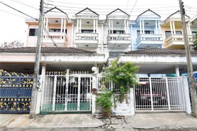 For SaleTownhouseLadprao101, The Mall Bang Kapi : 3-storey townhouse, Chatkaew University, Happyland Rd.