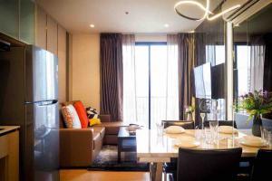 For RentCondoSukhumvit, Asoke, Thonglor : Condo for rent Maru Ekkamai 2 Pets friendly Type 2 bedroom 2 bathroom  Size 55 sq.m. Floor 15