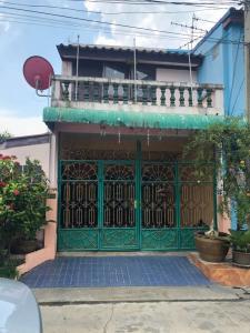 For SaleTownhouseSamrong, Samut Prakan : Townhome for sale: Warocha 7 (064-6654666)