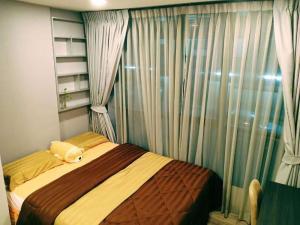 For RentCondoRatchadapisek, Huaikwang, Suttisan : Quick rent!! Brown Huai Khwang, 2nd floor, beautiful room, best price, don't hesitate for a long time.