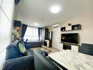 For RentCondoRangsit, Patumtani : For rent, Plum Condo Phahon, 89 in front of Muang Ake, beautiful room, Phase 1, Building C, 8th floor, room 28 sq.m., corner room