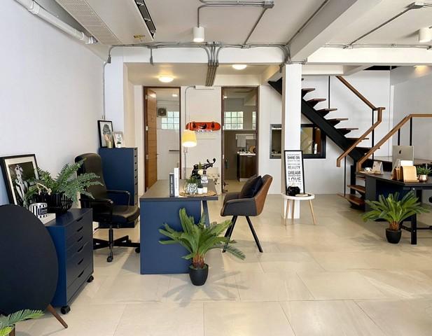For RentTownhouseOnnut, Udomsuk : 3-storey townhome for rent, Ekamai area, Soi Ekamai 22, near BTS Ekkamai, entrance to Pridi 43, fully furnished