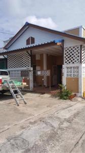 For SaleTownhouseRangsit, Patumtani : Very cheap sale, Sangtawan village, Khlong 11, Thanyaburi