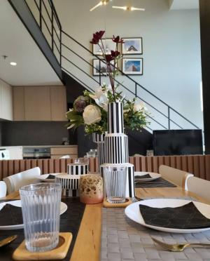 For RentCondoSilom, Saladaeng, Bangrak : The Lofts Silom 1 bed duplex for rent 35k