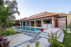 For SaleHouseHua Hin, Prachuap Khiri Khan, Pran Buri : Luxury Pool Villa for Sale SH90223.