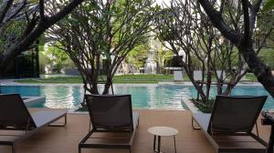 For RentCondoSathorn, Narathiwat : Condo for rent, Blossom. Area 30 sq m. 1 bedroom, 1 bathroom, at Charoen Rat Road (Sathorn), near BTS Surasak, rent 12,500 / month.