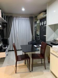 For RentCondoRatchadapisek, Huaikwang, Suttisan : Condo for rent Metro Sky Ratchada (Metro Sky Ratchada) with furniture, appliances.
