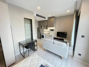 For RentCondoRatchathewi,Phayathai : Condo for rent‼ ️ large room decorated with new furniture. Plus a beautiful view to admire at the room phayathai📌📌