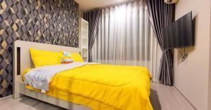 เช่าคอนโดลาดพร้าว เซ็นทรัลลาดพร้าว : ให้เช่า Life ladprao  ไลฟ์ ลาดพร้าวห้อง one bedroom plus ติดวอลเปเปอร์รอบห้อง modern style มีเครื่องซักผ้า