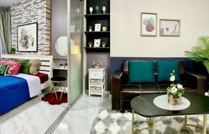For SaleCondoBangbuathong, Sainoi : Sale of newly refurbished rooms. D Condo Rattanathibet, corner room