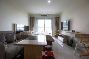 For RentCondoPattanakan, Srinakarin : Condo for sale / rent, ready to move in, Srinakarin, Phatthanakan, 10 minutes away from Thonglor