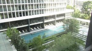 For RentCondoWitthayu, Chidlom, Langsuan, Ploenchit : Room for rent @Noble Ploenchit.