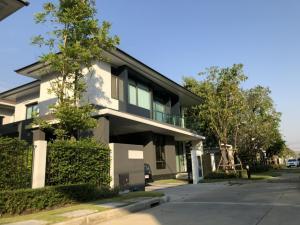 เช่าบ้านพัฒนาการ ศรีนครินทร์ : HouseforrentatSetthasiriKrungthepKreetha Fully furnished , corner plot