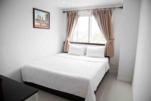 เช่าคอนโดอ่อนนุช อุดมสุข : พร้อมอยู่ 2 ห้องนอน 2 ห้องน้ำ พร้อมเฟอร์ ตกแต่งสวย