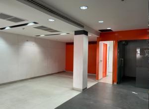 For RentOfficeSilom, Saladaeng, Bangrak : For Rent 4-storey building on Charoen Krung Road. Opposite Robinson - Bangrak Bangkok business center, the best location near BTS Taksin, suitable for all types of business