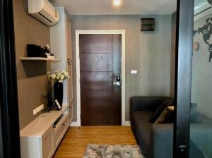 For RentCondoRattanathibet, Sanambinna : W0099 # Condo for renting hill. Tiwanon-Khae Rai (Soi Tiwanon 16) near MRT Ministry of Public Health Total usable area of 38.67 square meters, on the 5th floor with a balcony, a room next to the pool view, a very new room, size 2 bedrooms, 1 bathroom.