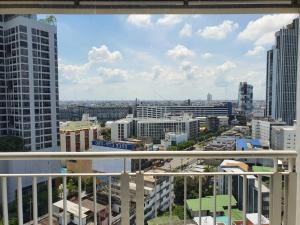 For SaleCondoLadprao, Central Ladprao : Shock Price! Life@Ladprao18; 40 sq.m. Cozy, Cheaper than new. Ready to move in.