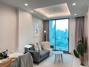 เช่าคอนโดสุขุมวิท อโศก ทองหล่อ : Supalai oriental sukhumvit 39 High-end condo 46 sqm 1bedroom