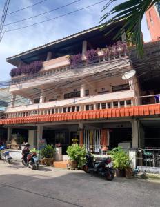 For SaleBusinesses for salePattaya, Bangsaen, Chonburi : Apartments for sale in Soi Buakhao, Pattaya, Bang Lamung, Chonburi