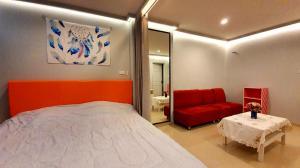 For SaleCondoRamkhamhaeng, Hua Mak : Sell 1.89 million, rent 7,500 / month Tel: 094-3546541 Line: @luckhome Code: LH00368