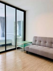 For RentCondoVipawadee, Don Mueang, Lak Si : Condo for rent, Condo Reach52, brand new room, near bts, green line, Saphan Mai, only 450 meters.