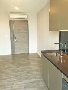 For RentCondoSukhumvit, Asoke, Thonglor : M3513- Condo for rent, Noble Recole Sukhumvit 19, near BTS Asoke and MRT Sukhumvit, Some furniture, ready to move in