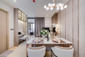ขายคอนโดพระราม 9 เพชรบุรีตัดใหม่ RCA : ขายคอนโดระดับ Luxury Ashton asoke-rama9 (แอสตัน อโศก-พระราม9) ใกล้ MRT 1 bed plus 39.58 ตรม ตึก Alpha ชั้นสูง ราคา 8,790,000 บาท the best location ด่วนสวยมากๆ