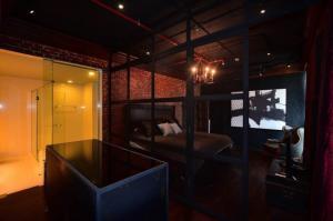 ขายคอนโดสุขุมวิท อโศก ทองหล่อ : ขายคอนโด Aguston Sukhumvit 22 ประเภท 3 ห้องนอน 3 ห้องน้ำ ขนาด 137 ตร.ม. ชั้น 16