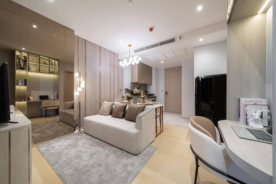 For SaleCondoRama9, RCA, Petchaburi : Urgent, 1 bedroom, cheapest price, Ashton Asoke Rama9, price 6.59 million baht, new room, contact 0869017364.
