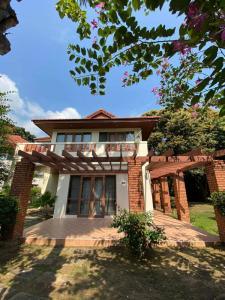 For SaleHouseCha-am Phetchaburi : Baan Suan Rim Had Cha-Am and Land 122sq.w. Urgent Sale.