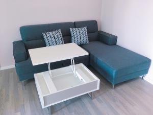 For RentCondoOnnut, Udomsuk : M3514-Condo for rent, The Room Sukhumvit 69, near BTS Phra Khanong, there is a washing machine. Fully furnished, ready to move in