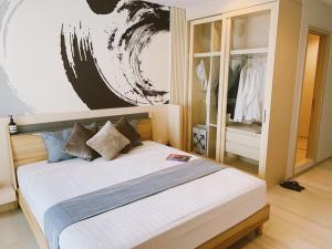 For RentCondoWitthayu,Ploenchit  ,Langsuan : 🎯 Beautiful room, high floor, good view, Zen style decoration, near the train, special price !!! Life One Wireless !!!