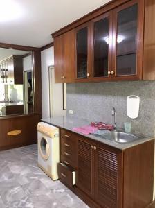 For RentCondoRatchadapisek, Huaikwang, Suttisan : Condo for rent, Baan Suan Thanarat, 36 rooms, 2 bedrooms, 1 bathroom, 5th floor