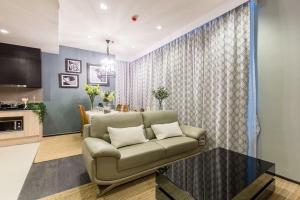 For RentCondoSukhumvit, Asoke, Thonglor : Edge Sukhumvit 23 condo for rent beautifully furnished 2 bedrooms on 30 floor locate near BTS Asoke