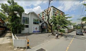 For RentShophouseSukhumvit, Asoke, Thonglor : Rent a large 2-storey building,