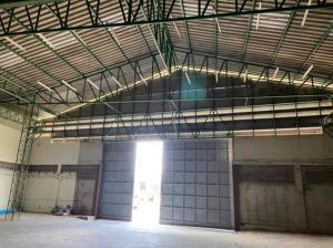 For RentWarehouseLadkrabang, Suwannaphum Airport : For Rent Warehouse rental, warehouse, Soi Lat Krabang 14/1, area 375 square meters, very good location, ten-wheel car, easy access.