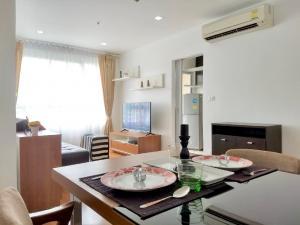 เช่าคอนโดสุขุมวิท อโศก ทองหล่อ : Urgent Rent ++ High Floor ++ Great Location ++ Condo One X Sukhumvit ++ BTS Phromphong 🚅